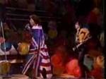 悪質なファンをギターでぶん殴るキース・リチャーズ【YouTube動画】